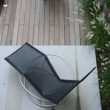 Coro Loop Folding Chaise Longue