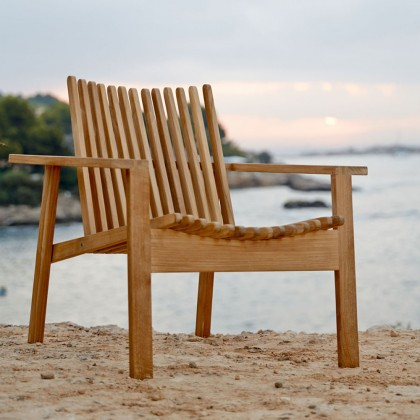 Amaze Stackable Lounge Chair