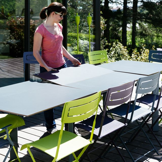 Slim Table (Discontinued)
