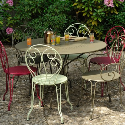 Montmartre outdoor dining table and chairs by Fermob
